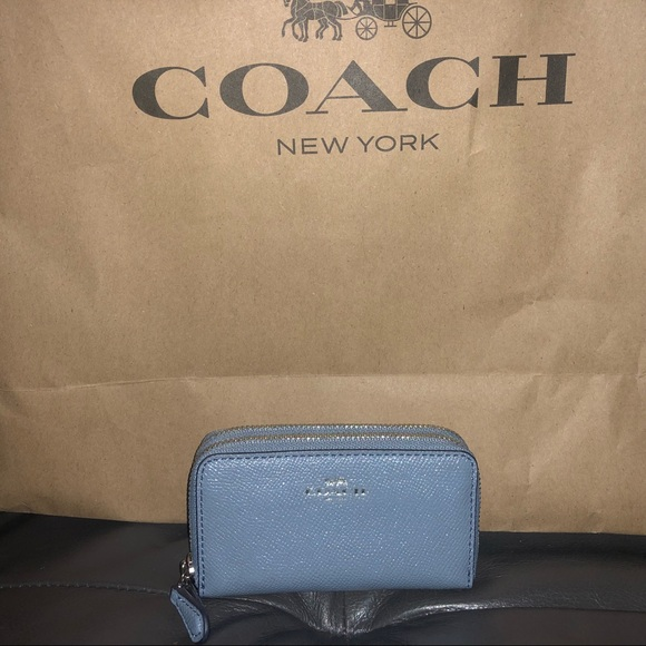 48a78dcb COACH dbl zip card case wallet pool blue leather NWT